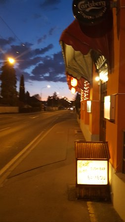 Pully, İsviçre: Entrée du restaurant