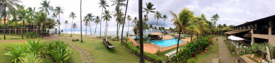 Catussaba Resort Hotel : Panorâmica da área da piscina.