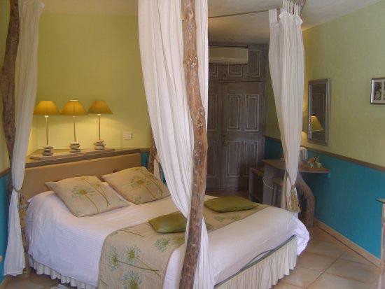 Le Mas des Cigales : La chambre 'Agapanthe'