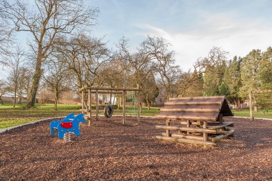 Thurnham, UK: Children's playground