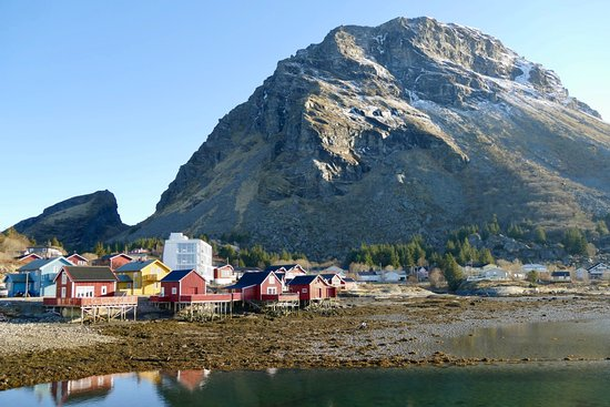 Lovund hotel with fishermen cabin and brand new hotel rooms