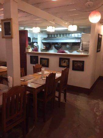 Rosella Fusion Restaurant : Simple dining