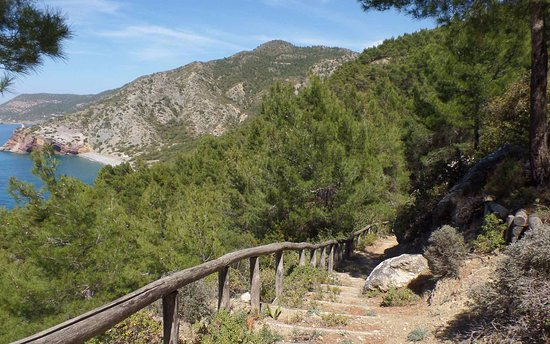Monolithos castle - Kritikos path