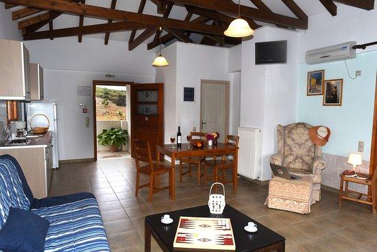 Mikro Xorio: suite with masterbedroom