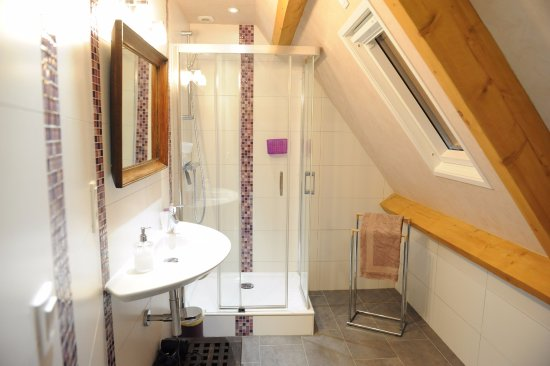 salle de bain cardamone - Picture of Chambres d\'hotes Talvern ...