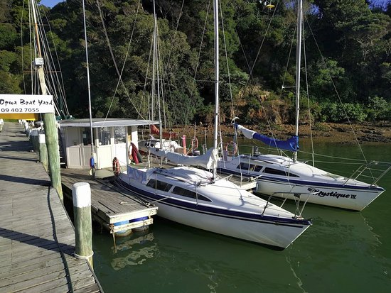 Opua, Neuseeland: Two Noelex 25s in dock