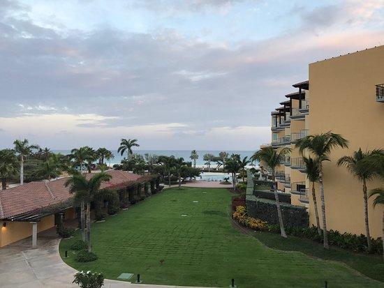 Oceania Deluxe Beachfront Resort by Prestige: photo0.jpg
