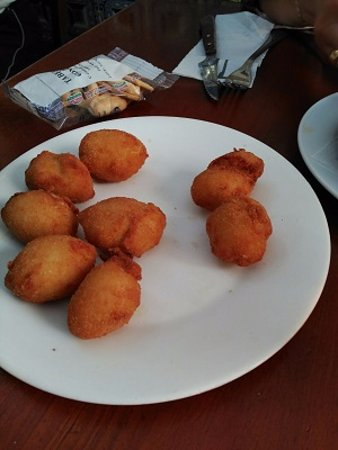 Taberna Gongora: Buñoelos de bacalao