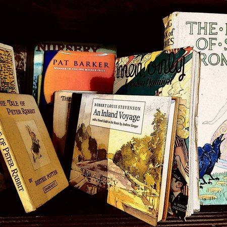Sablons, Frankrig: Quelques livres en langues étrangères