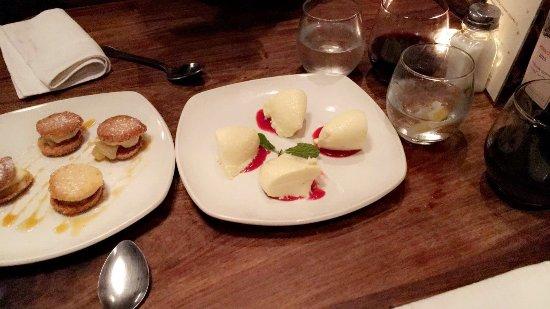 Fork Restaurant: Dessert: dagspecial en witte chocolademousse!