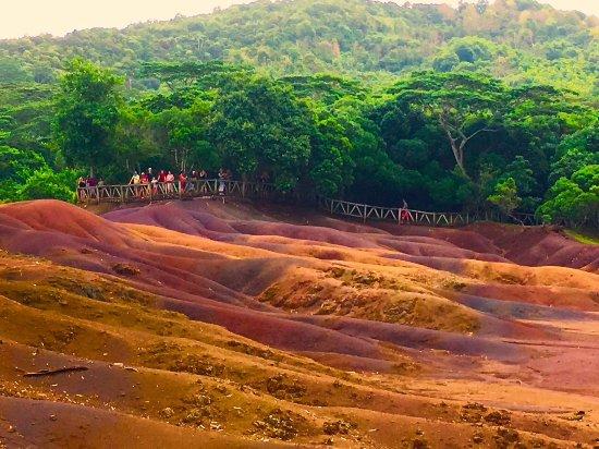 Chemin Grenier: Vallée des sept couleurs