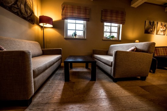 Salon cosy picture of hostellerie gilain dinant tripadvisor for Photo salon cosy