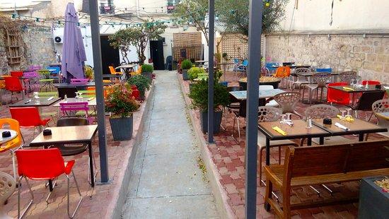 Restaurant au fond du jardin dans paris avec cuisine for Restaurant au jardin paris