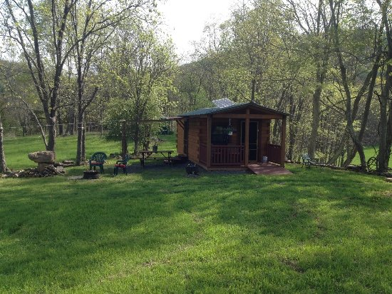 Franklin, WV: The rustic camping cabin (solar lights only), no water, no heat