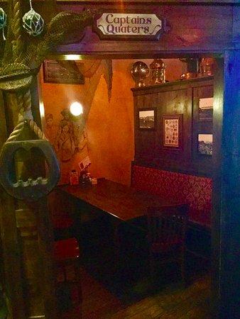 McMullan's Irish Pub: Captain's Quarters Snug