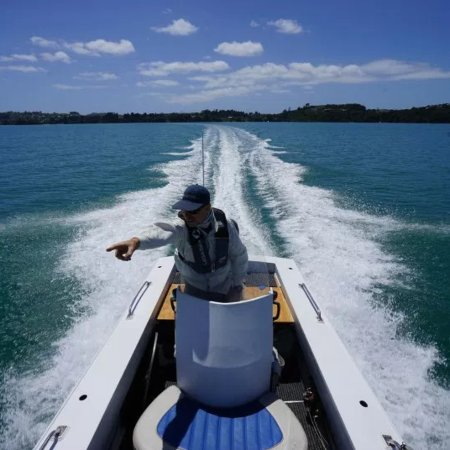 Waiheke Island, New Zealand: The Boat