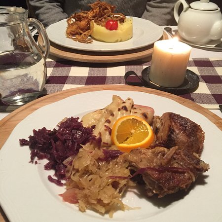 Leberfinger: Traditional duck with red and white cabbage and lokse (pancake made of potato dough)