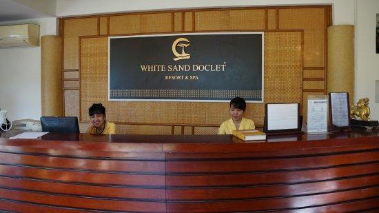 White Sand Doclet Resort & Spa : ресепшен