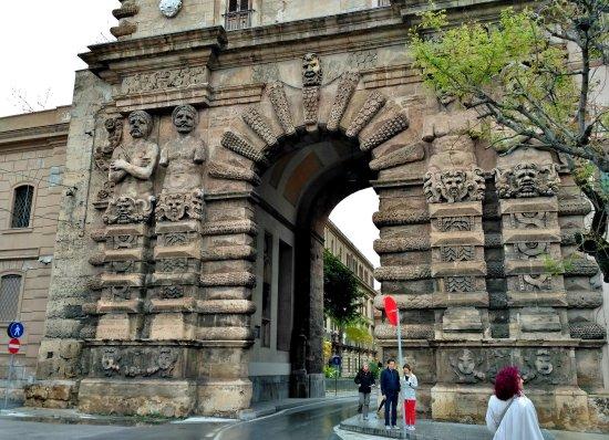 Porta nuova picture of porta nuova palermo tripadvisor - Porte a palermo ...