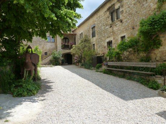 Labastide-de-Virac, Francia: Cour intérieur