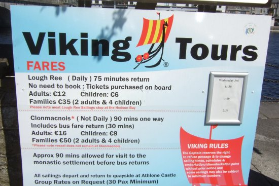Athlone, İrlanda: Board on the Quayside
