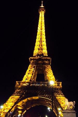 torre eiffel a noite picture of paris ile de france tripadvisor