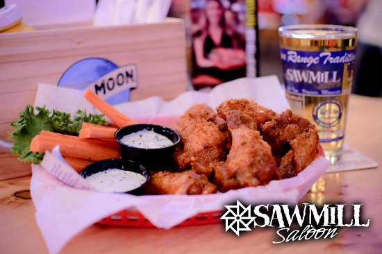 Βιρτζίνια, Μινεσότα: Come try the award-winning Mill Wings @ the Sawmill!