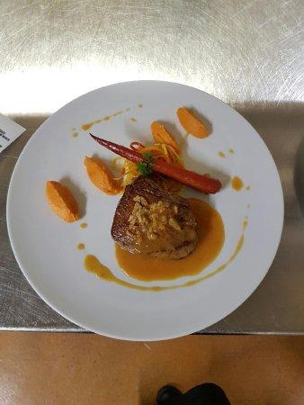 Pavillon du Golf: filet de veau, déclinaison de carottes