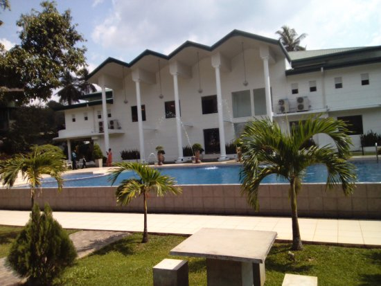 Avissawella, Sri Lanka: pool and reception functions building from rooms