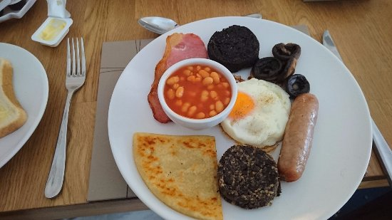 Invernente Bed & Breakfast: Full Scottish Breakfast :)