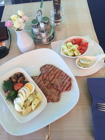 Pension Palac: Veal Steak + various side dishes ...