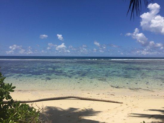 Chalets d'Anse Forbans: spiaggia/mare al mattino