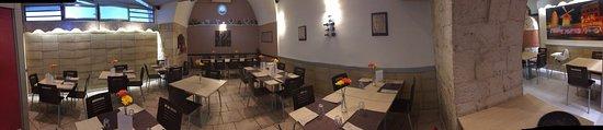 Casamassima, إيطاليا: Da Angelo - Pizzeria Antipasteria