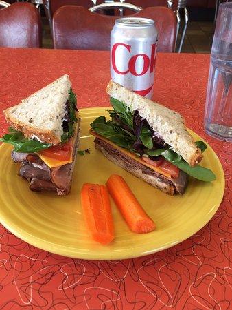 แกรนด์แรพิดส์, มินนิโซตา: Fabulous Roadt Beef sandwich