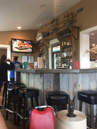 La Grange, KY: Big R's & Shannon's Bar-B-Q