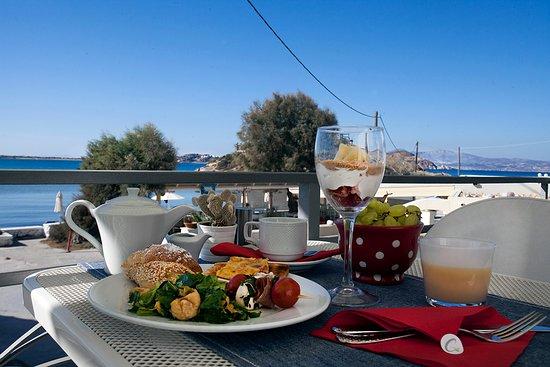 Boutique Hotel Glaros: breakfast buffet veranda