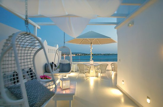Boutique Hotel Glaros: outdoor lounge superior rooms