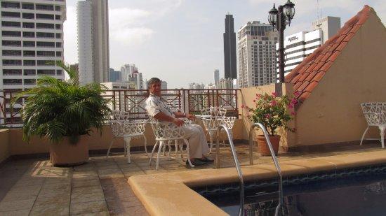 Hotel Coral Suites: Piscina en terraza del hotel , amplias piezas , muy central