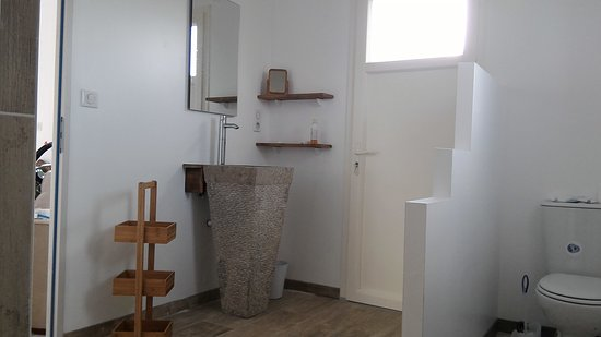 Berbiguieres, France: Salle de bain chambre double