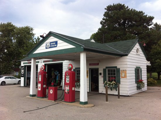 Ambler-Becker Texaco Station, Dwight, IL