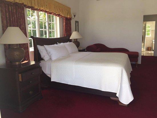 Sorrel 2nd Floor Master Bedroom Walk In Closet Spa