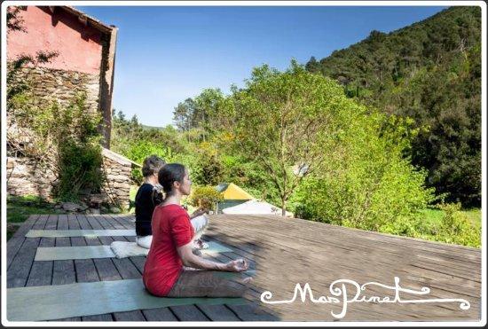 Mas Pinet : la plateforme de yoga / the yoga platform