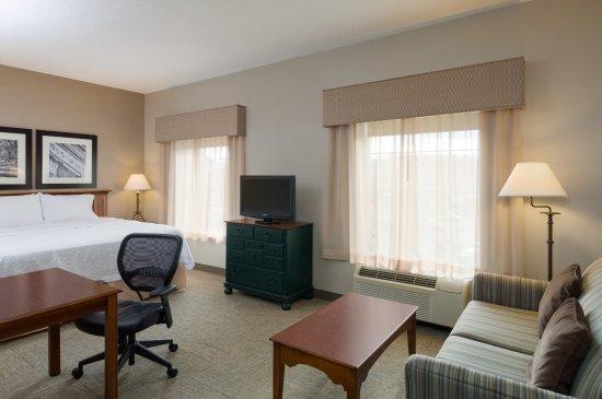 Interior - Picture of Hampton Inn & Suites Williamsburg Square, State College - Tripadvisor
