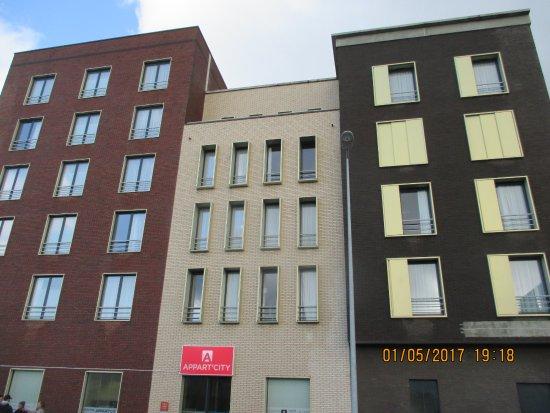 la fa ade de l 39 appart h tel photo de appart 39 city cherbourg centre port cherbourg tripadvisor. Black Bedroom Furniture Sets. Home Design Ideas