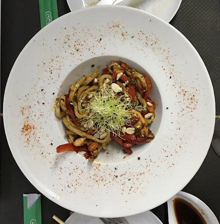 Restaurante Burbu: Wok (Udon Noodles with Chicken)