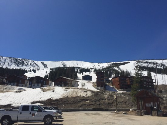 Schweitzer Mountain Resort Lodging : Awesome place regardless of the season. Made a quick trip up during early May when I had a few m