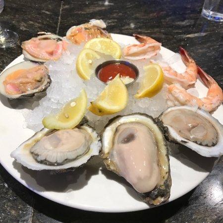 Oyster Bar at Palace Station: photo0.jpg