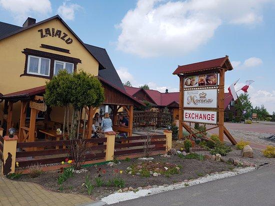 Sejny, Polen: Restauracja MORENA z dużymi parkingami miejscem dla dzieci oraz najlepszymi regionalnymi potrawa