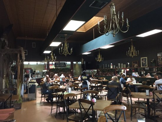 Victor's Cafeteria: photo1.jpg