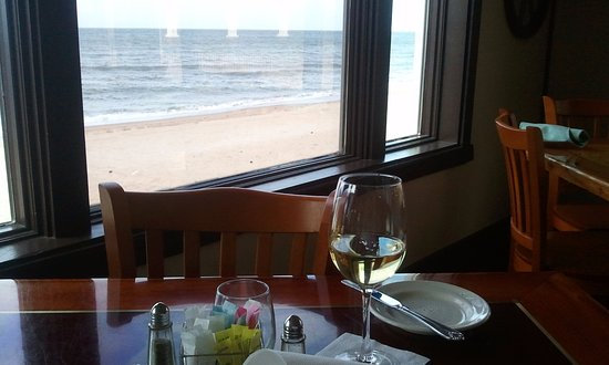An awesome ocean view picture of lynnhaven fish house for Lynnhaven fish house